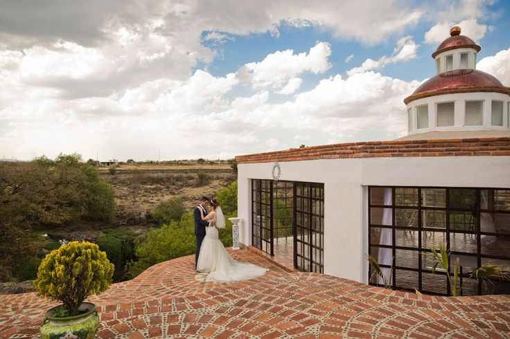 mexican wedding, elegant wedding venue, crystal palace, beautiful wedding, vista wedding, runaway bride, destination wedding, rancho las cascadas