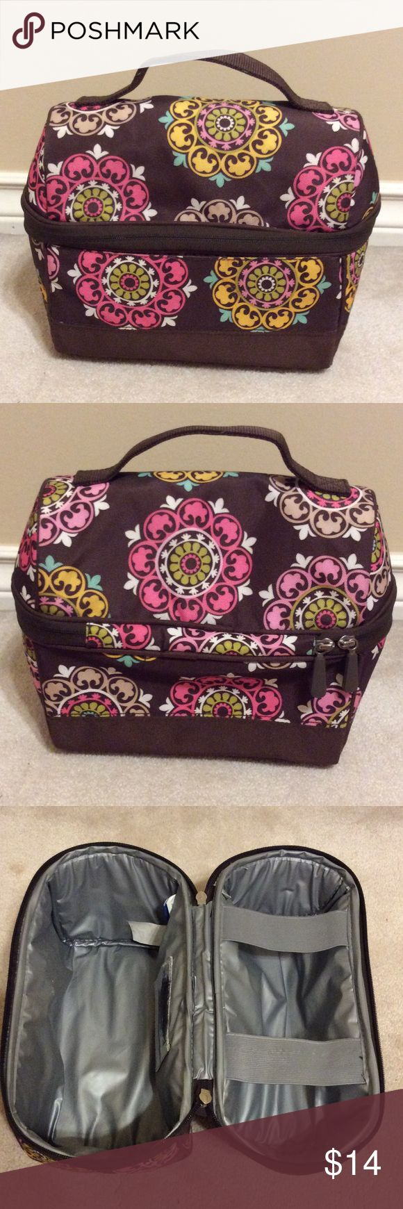 """🍎 Pottery Barn Teen Insulated Lunchbox 🍴 Barely used, nice lunchbox is perfect for school or work!  Has upper area for thermos or drink bottle & it's a great long shape.  Measures 10"""" x 5 1/2"""" x 9"""".  Bundle for a discount! PB Teen Accessories Bags"""
