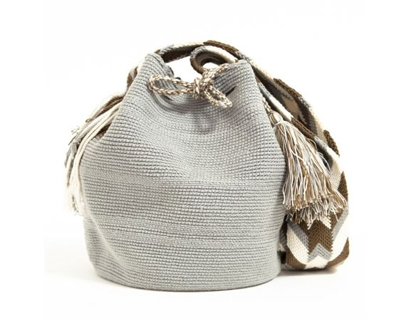 WAYUU TRIBE - Handmade shoulder bag with draw string tassels. Made in Colombia.