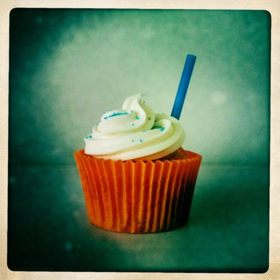 Irn Bru cupcake. Recipe at http://londonbaking.com/2011/01/25/irn-bru-cupcakes-for-burns-night/