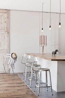 Bof pour le bois et le design, bien pour le blanc et surtout la délimitation par le sol