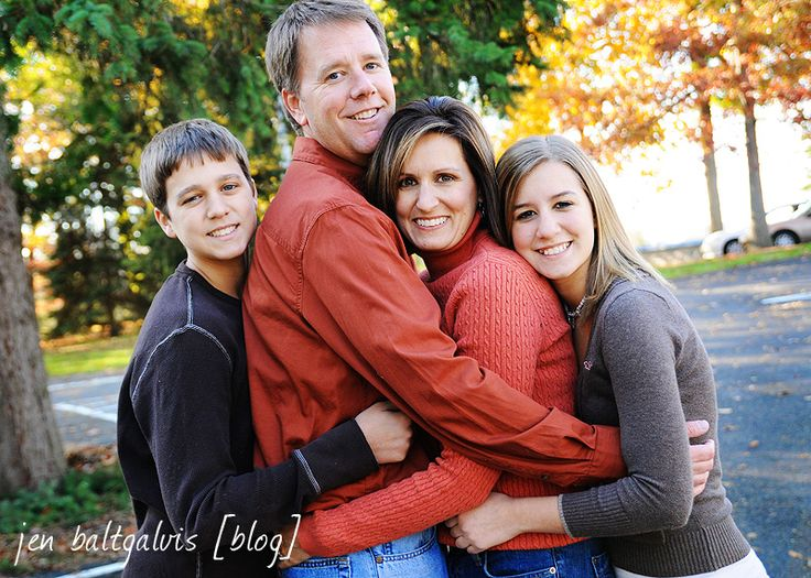 Posing family of 4 fun bing images