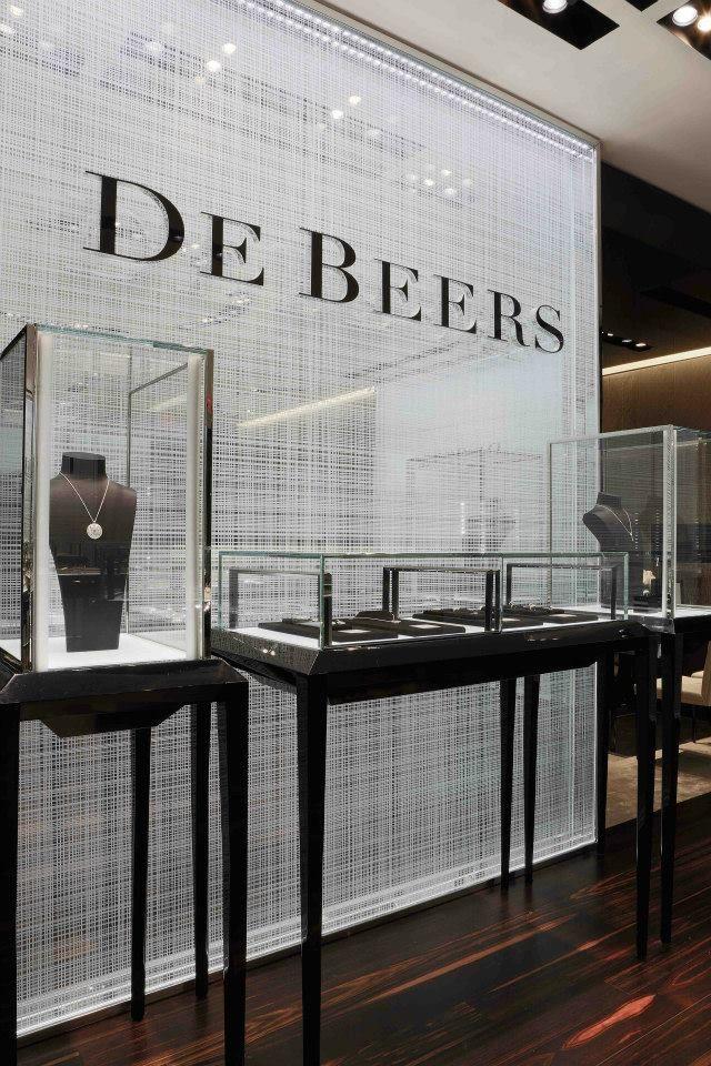 De Beers jewelry's Vancouver Store