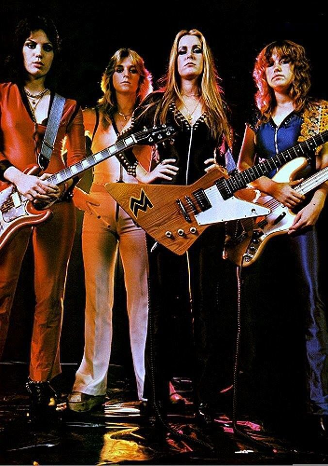 67 Best The Runaways Images On Pinterest