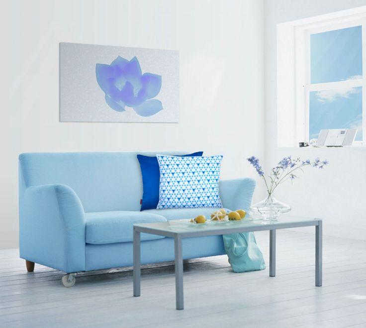 Açık ve düz tonlardaki odanızı renkli,geometrik desenli yastıklarla hareketlendirebilirsiniz. #yastık #pillow #decor #decoration #akşehir #deniz #turkuaz #mavi #geometrik #desen #home #ev #tekstil