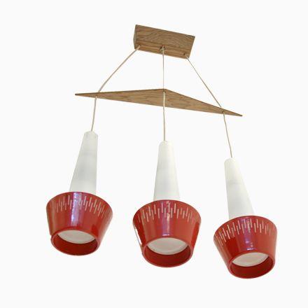 Fabulous Rote Skandinavische H ngeleuchte mit drei Schirmen er Jetzt bestellen unter https moebel ladendirekt de lampen deckenleuchten pendelleuchten uid ud