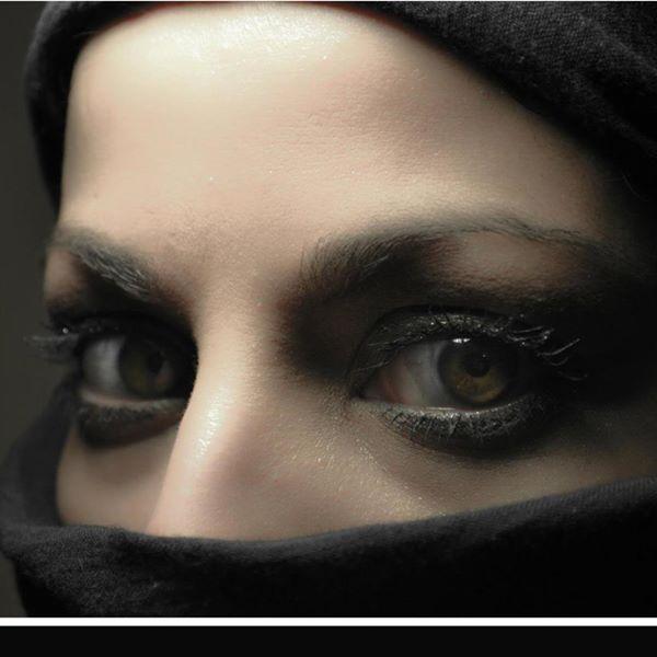 Kasi, eyes