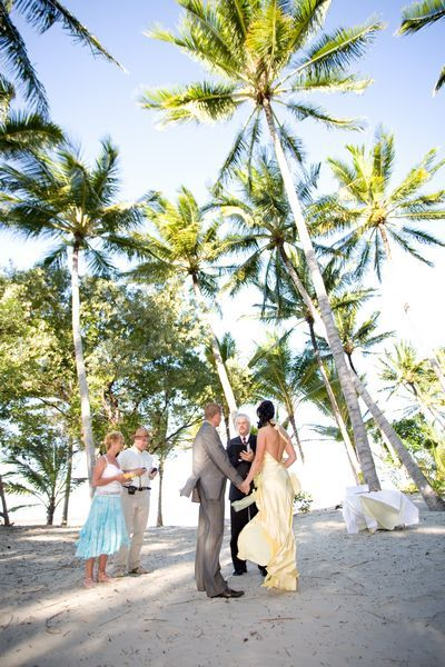 Congratulations to Celia and Richard who were married under the palm trees in beautiful Port Douglas. Let us help you plan your dream wedding now.