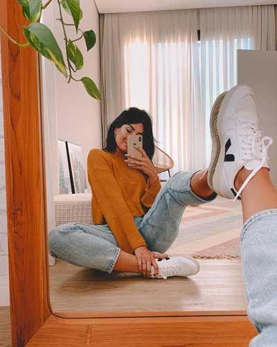 Cute Instagram Pictures, Creative Instagram Photo Ideas, Cute Poses For Pictures, Insta Photo Ideas, Poses For Photos, Best Photo Poses, Girl Photo Poses, Picture Poses, Pic Pose