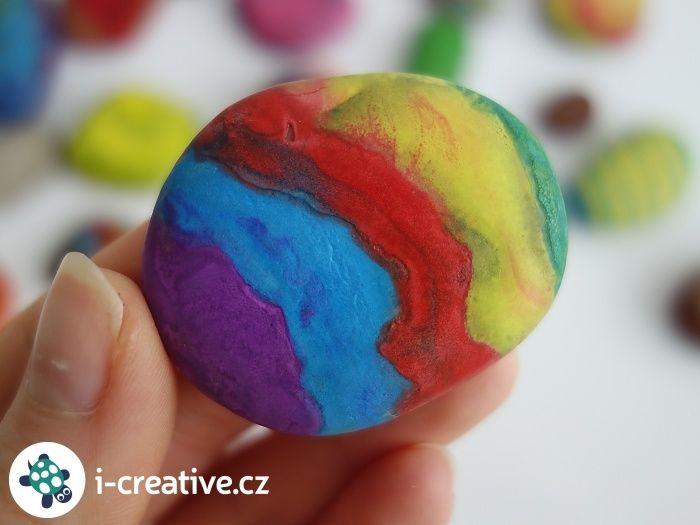 Malování voskovkou na horký kámen