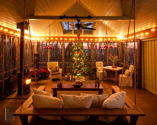 Outdoor christmas decorating ideas for an amazing porch Screened in porch decor