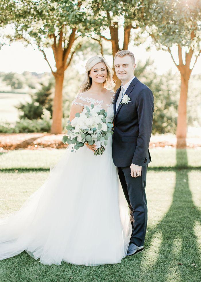 Catherine Cooper White And Green Gaillardia Okc Wedding In 2020 Wedding Wedding Classic Wedding Dresses