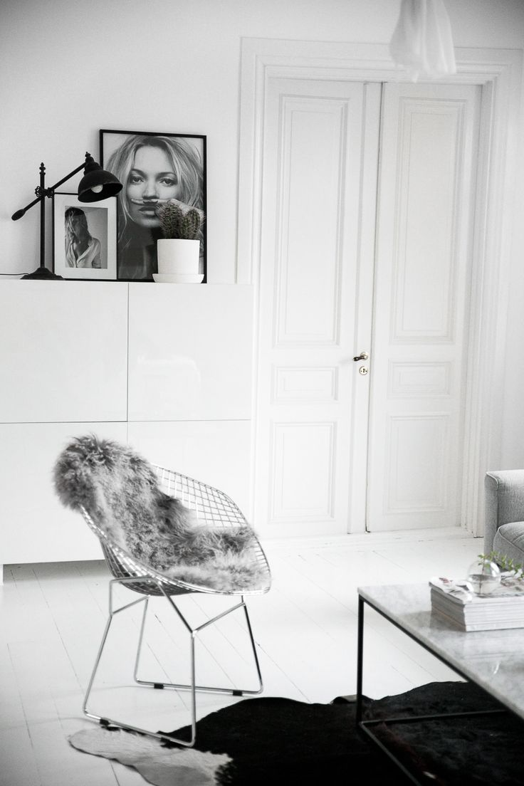 Black and white interior for bedroom in modern female apartment with - Mooiste Zwart Witte Interieurs