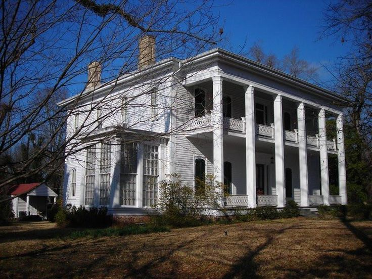 323 best plantation houses images on pinterest for Home builders in south mississippi