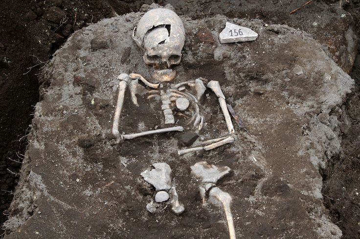 "This skeleton, discovered at the site of the ancient Thracian temple of Perperikon, southeast of the Bulgarian capital Sofia, has an iron rod through its chest where its heart should be. | An Archaelogist Found A ""Vampire"" Skeleton With A Stake Through Its Heart In A Ruined Ancient City"