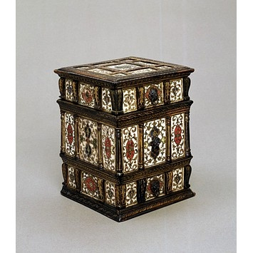 Box | 1580 | V | This box may have been used for combs, brushes and other small personal accessories. Contemporary illustrations show such boxes hung on the wall in a bed chamber beside a dressing mirror with similar decoration. This type of decoration appears to have been a Venetian speciality