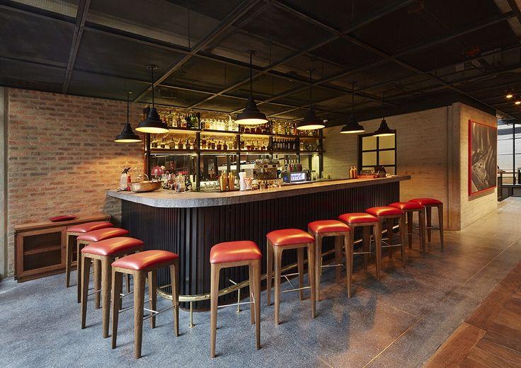 Tan solo a unos pasos de las mejores tiendas, restaurantes y en el corazón financiero de la capital de Colombia, Bogotá, se encuentra Artisan D.C. , el primer hotel que se incorpora al Autograph Collection y que hace parte de la lujosa cadena Marriot Internacional.  Hotel. Artisan. Bogotá. Autograph Collection. Hoteles. Marriot.