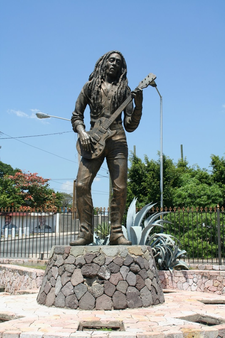Bob Marley statue in Kingston | Bob Marley - One Love ...