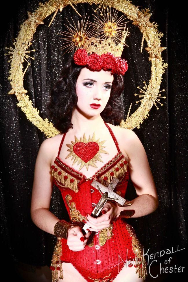 Our Favourite Pin-up and Burlesque Christmas Pictures - Eliza DeLite