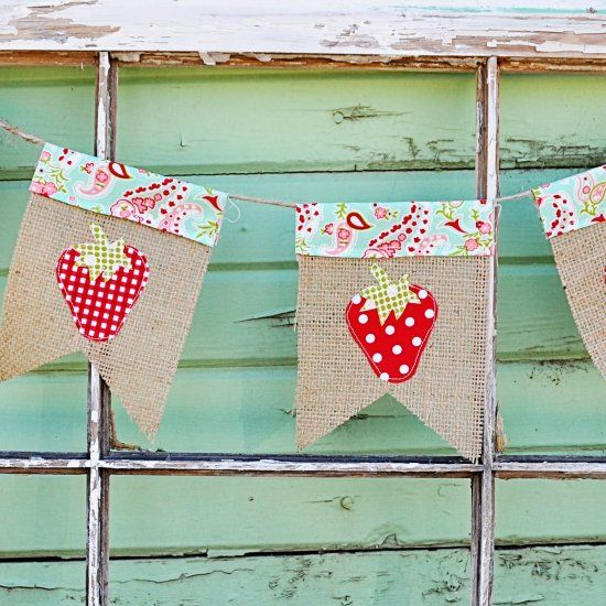 Learn how to make this easy Strawberry Burlap bunting! A quick and easy project! thanks so xox