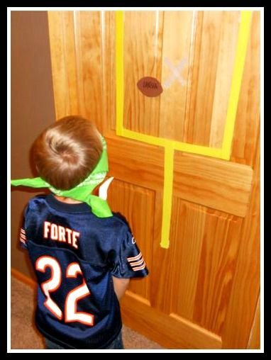 FUN KIDS GAME! Pin the football on the goal post--i'm sure we'll have another sports party at some point!