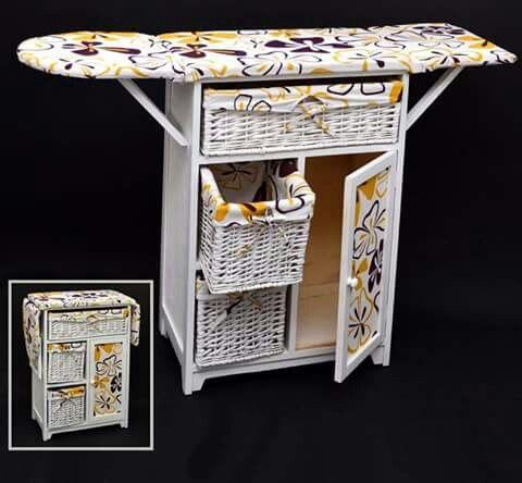 Práctico mueble de planchado