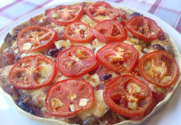 Torta salata ai pomodori e scamorza