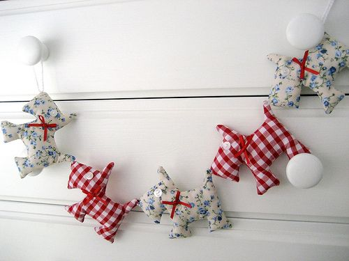 Gingham and Floral Scottie Dog Garland