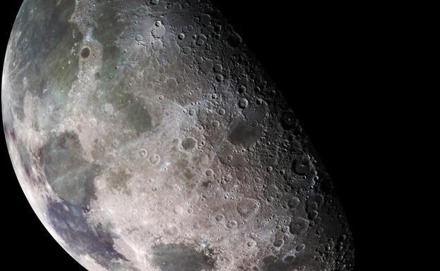 El Tratado de la ONU que prohíbe apropiarse de la Luna cumple medio siglo  ||  Comenzó a aplicarse el 10 de octubre de 1967, en plena Guerra Fría y con el temor de que la carrera nuclear entre EE UU y la Unión Soviética se trasladara a la órbita terrestre http://www.laverdad.es/sociedad/ciencia/apropiarse-luna-medio-siglo-20171010150637-ntrc.html?utm_campaign=crowdfire&utm_content=crowdfire&utm_medium=social&utm_source=pinterest