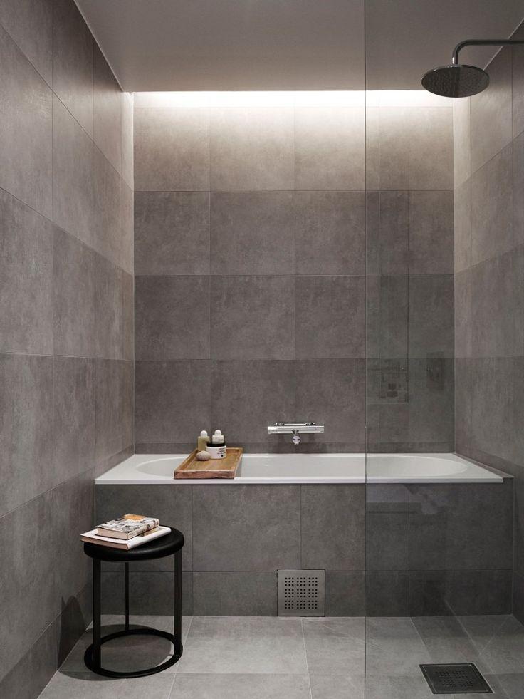 """Dusch & badkar i ett """"rum"""""""