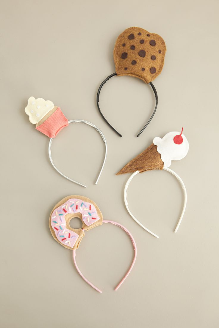Have a sweet tooth? Create your own Halloween costume this year with our sugary-sweet DIY headbands! With just a few steps, you can create a costume that's sure to be a hit in or out of the kitchen. Click in for full instructions.