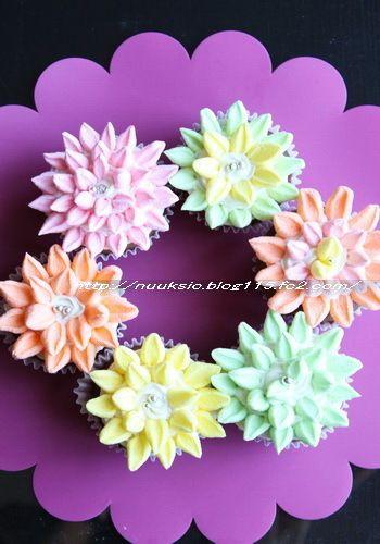 マシュマロで簡単デコ☆フラワーチョコカップケーキ by hannoahさん ...