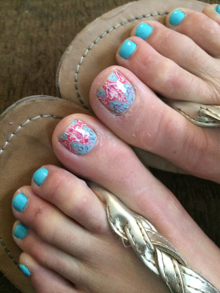 Summer is all about fun toes! http://robynpetree.jamberrynails.net