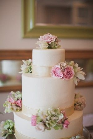 Classic Pink Green Tiered Wedding Cake | photography by http://www.taylorlordphotography.com/