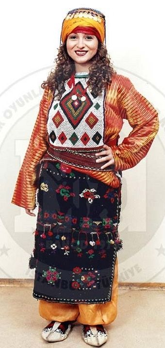 Traditional costume from the Damal and Hanak districts (Ardahan province).  Late 20th century, and still in use. Ethnic group: Alevi Türkmen.