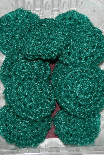 pattern for a kitchen scrubbie with netting   Crocheted Kitchen Scrubbies and a Gift Box - Blessings Overflowing