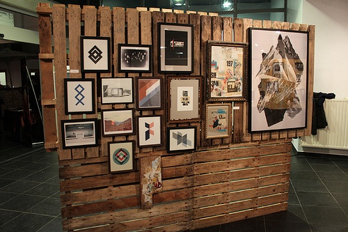 Using pallets to display my work at art shows = The coolest idea ever.