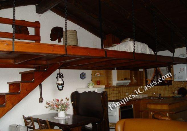 Bonita casa adosada para comprar en Engolasters (Escaldes-Engordany), casa adosada de montaña de estilo rustico y muy bien conservada, situada en zona residencial y rodeada de naturaleza, cerca del precioso lago de Engolasters. 100 m2 - 298.000 €