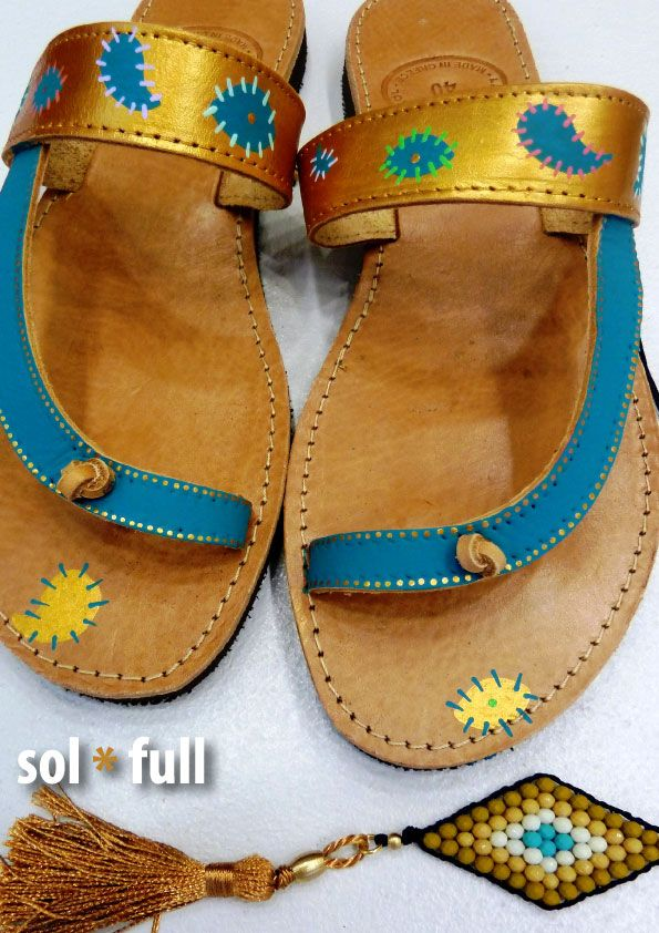 Eye. Handmade - Handpainted leather sandals.