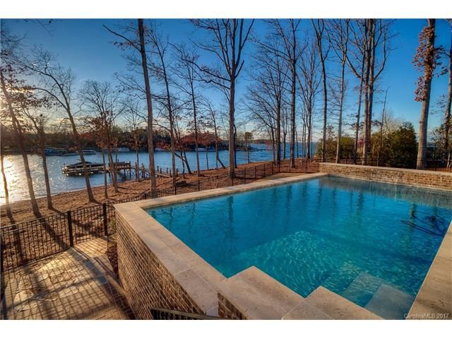 North Carolina Lake Homes for Sale around Lake Norman - Real Estate listed by price ranges and locations. Please click here for more information.