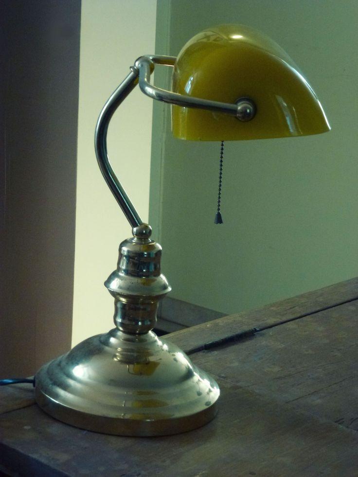 Ancienne lampe banquier - notaire  http://www.leboncoin.fr/annonces/offres/bretagne/?f=a&th=1&q=antiquaillerie