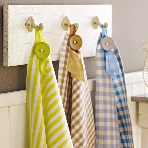 great way to add a hook to a tea towel