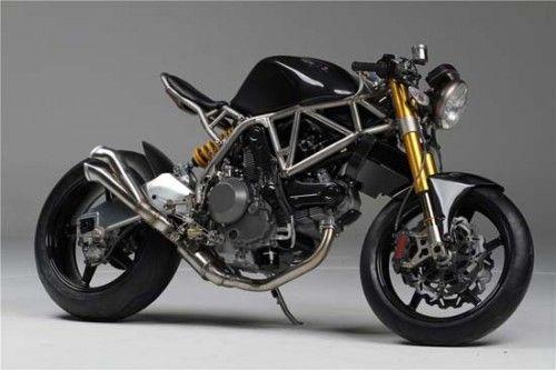The NCR M4 and NCR M4 #bikes #motorbikes #motorcycles #motocicletas #motos