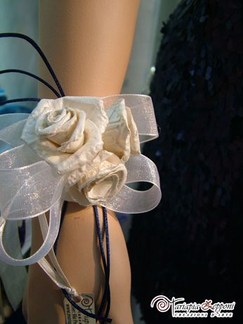 Handmade paper corsage Amazing wedding accessories by Mariapia Zepponi Italy