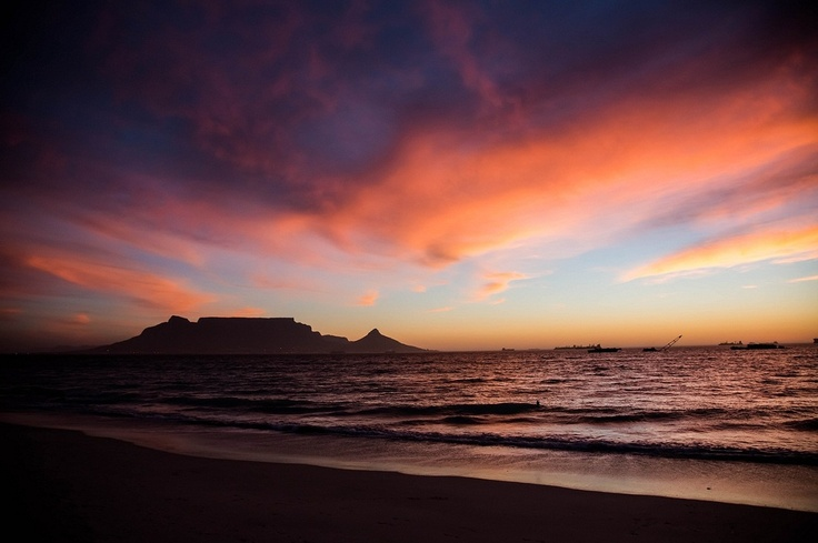 Beautiful Cape Town, Table Mountain from Table View