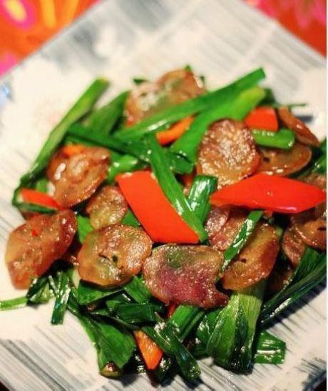 Fried sausages with green garlic- ethan food