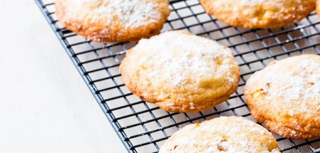 Peaches and Cream Cookies. These are best eaten the day they are made. Try putting vanilla ice cream between two cookies for an ice cream sandwich.