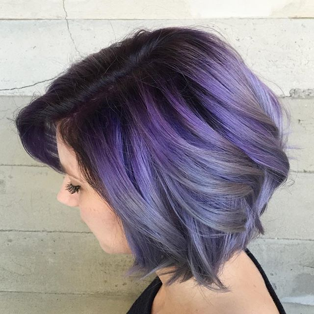 Smokey violet to silver metallic ends. This is Pulp Riot Hair @pulpriothair #pulpriothair