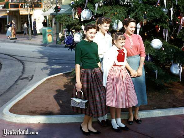 Dressing for Disneyland in the 1950s