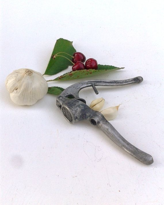 French Olive & Cherry Stone Pitter and Garlic by FrenchMarketFinds, €9.50